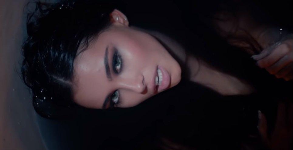 Madison Beer lança clipe bem dark para a música Hurts Like Hell feat. Offset! https://t.co/xXKs8vT8lu