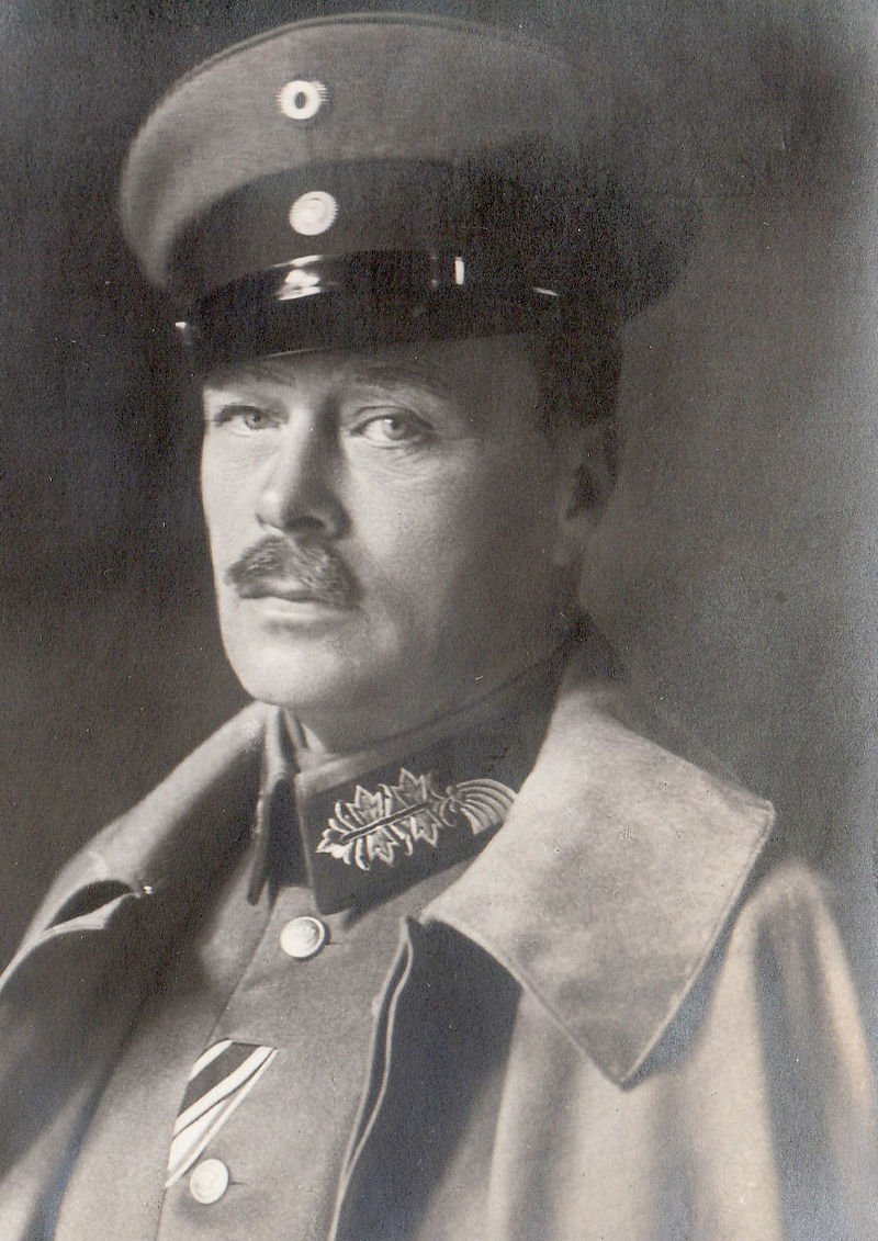 Nov 14, 1918 - Ernest Louis, Grand Duke of Hesse, was forced from his throne, leading to the establishment of the People's State of Hesse, as the German Empire dissolves #100yearsago