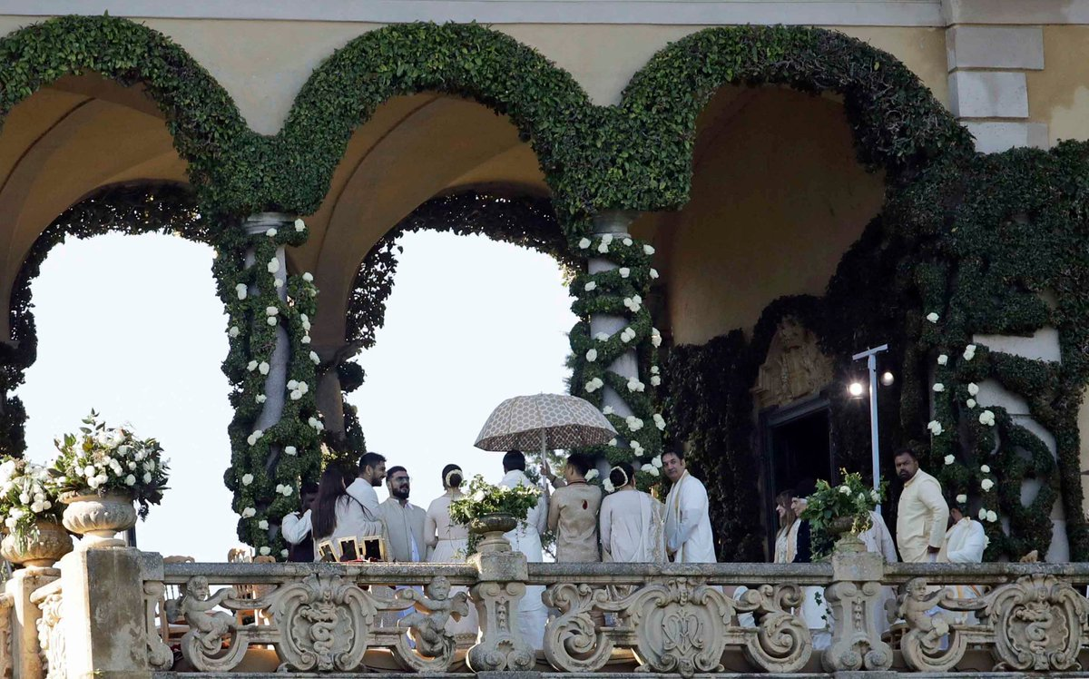 We're getting our first images from the #DeepVeer wedding at Lake Como. More here: https://t.co/ZNv00NXISI    (Photo: AP)