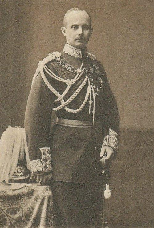 Nov 14, 1918 - Frederick Francis IV, Grand Duke of Mecklenburg-Schwerin abdicated his throne, as the German Empire dissolves #100yearsago