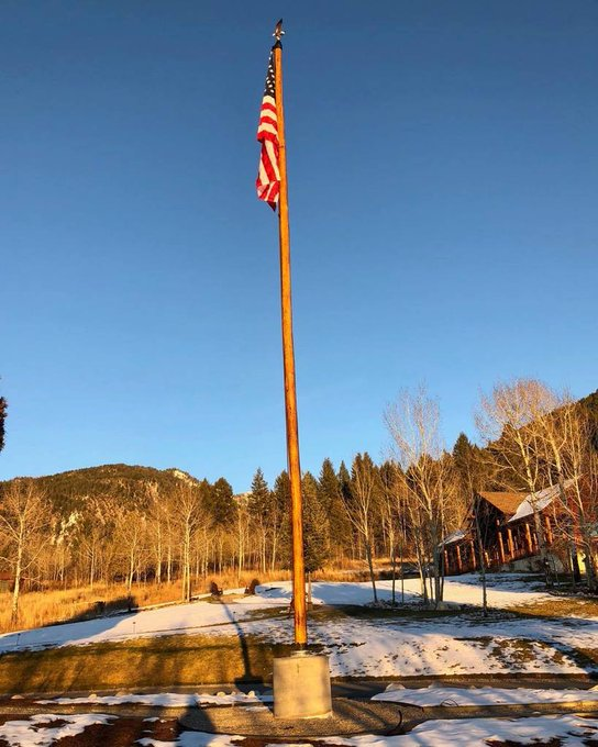 #LodgepolePine @Etna,WY #45'Flagpole marks the spot w #EagleOrnament 8x12' #USFlag, Blane's sky Art! https://t.co/uyu4EjkO5V https://t.co/seeXeXKMSv