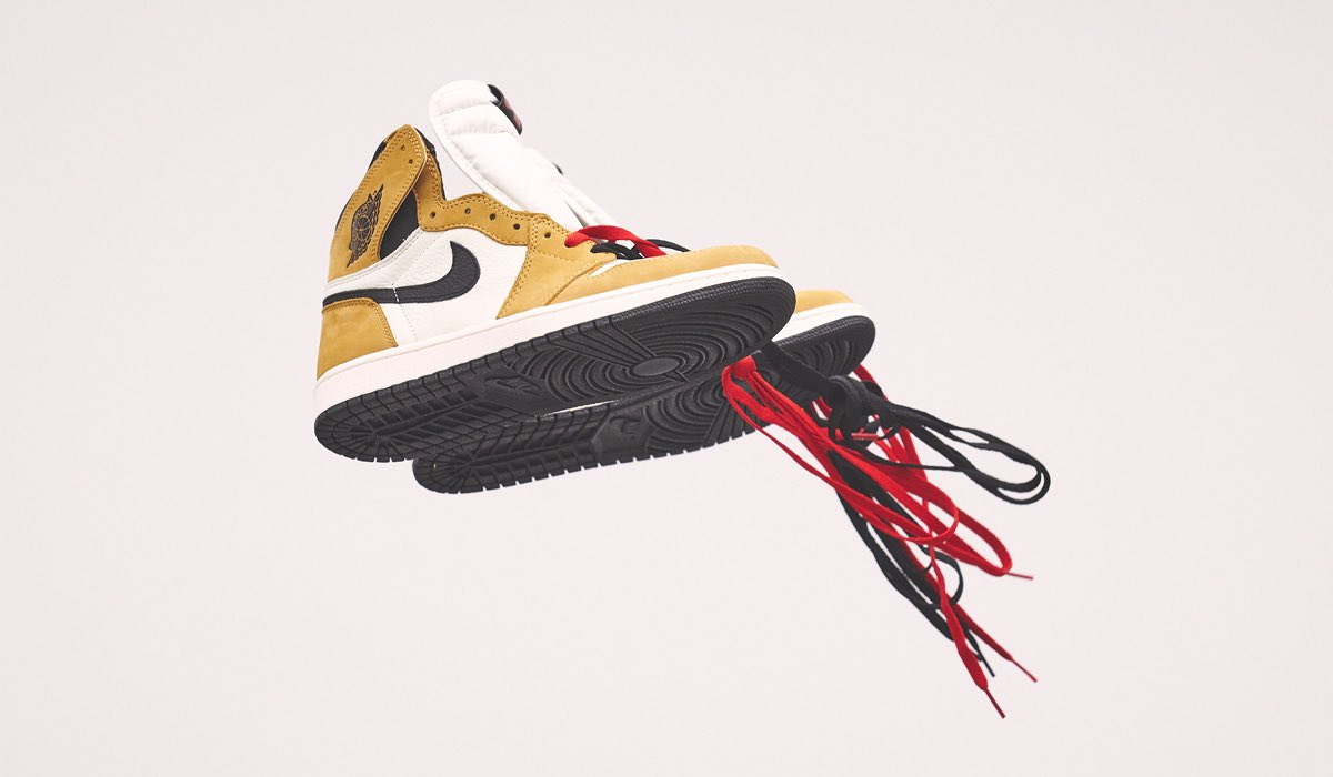 """fce05a3ec688 Air Jordan 1 Retro OG High """"Rookie of the Year"""" In-Store ONLY FCFS 11 17  10am EST  160pic.twitter.com 51wit5OVs0. 7 29 AM - 14 Nov 2018"""