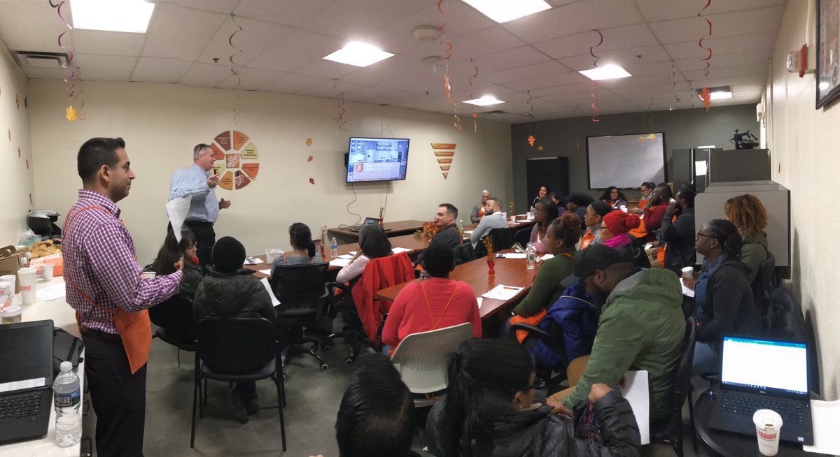 The Awesome Asurion Area Sales Manager Steve Smith teaching and driving HDPP in a packed room in the Cropsey Store #1256 in NY Metro! @asurion_hdpp_ss @Nitonaroola<br>http://pic.twitter.com/jU79G45yLy