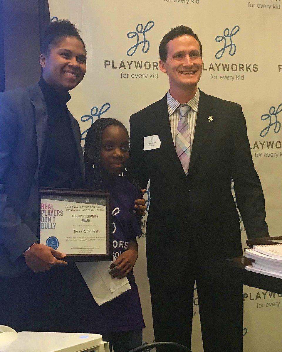 Tierra Ruffin-Pratt receiving the Community Chamption Award from @PlayworksDC! Congrats TRP 👏👏👏 #TogetherDC