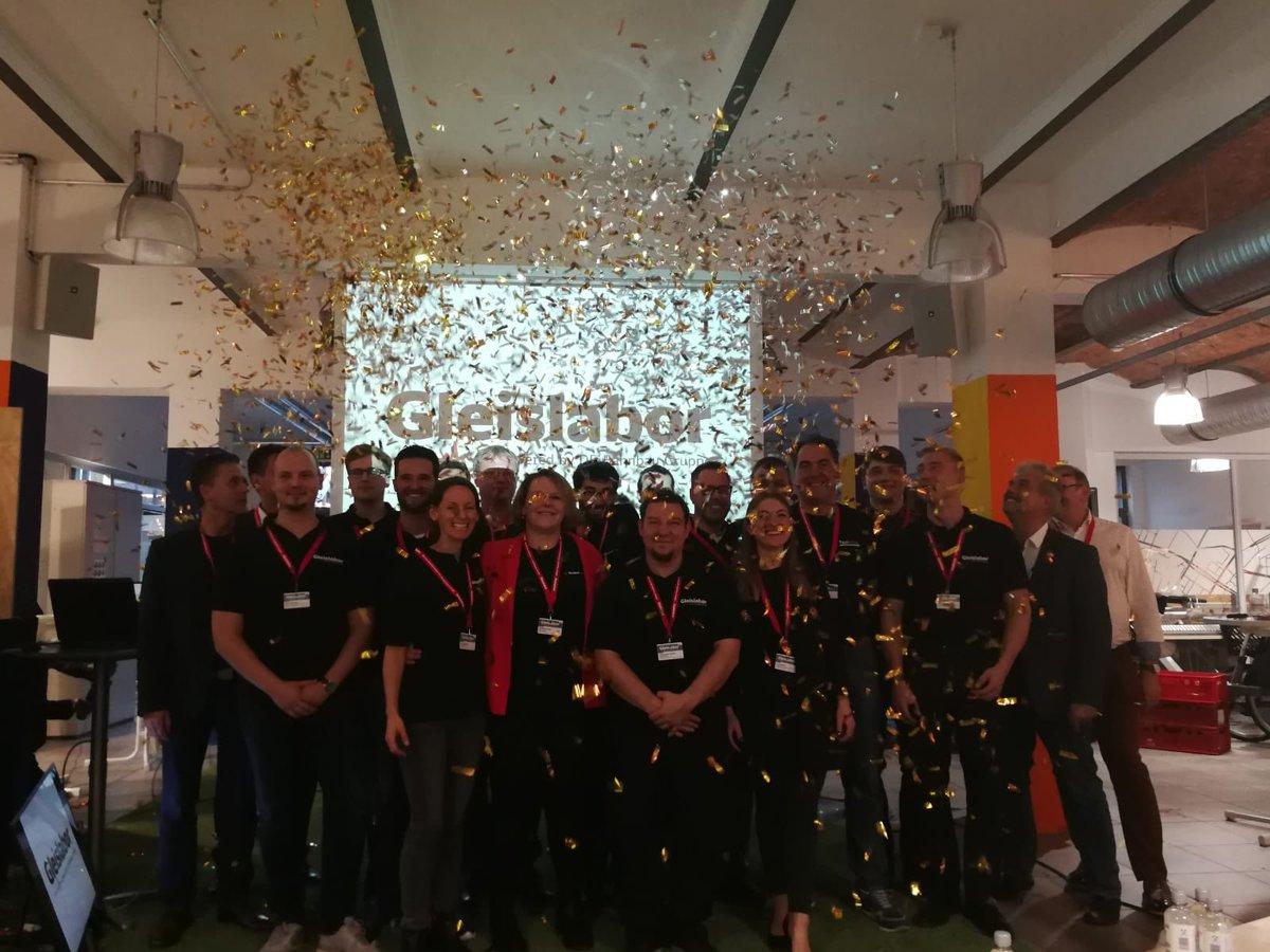 Heute konnte ich wieder einmal die Stärke eines integrierten DB Konzerns erleben. Es fand das grandiose Finale #Demoday eines gemeinsamen Innovationsprogramms des @DB_Skydeck der  @dbsystel und des #Gleislabor der #BahnBauGruppe statt. Herzlichen Glückwunsch allen Gewinnern!