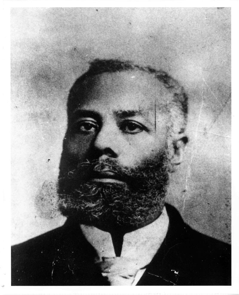 "The term ""The Real McCoy"" came from the reputation of high quality that Elijah J. McCoy had. He was a Canadian born African American inventor and engineer who was notable for his 57 U.S. patents, most having to do with the lubrication of steam engines. <br>http://pic.twitter.com/tQZ26PHPdR"
