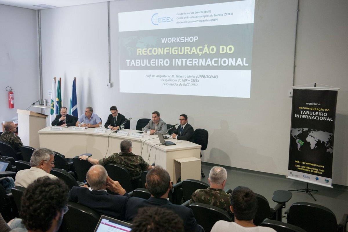 Workshop sobre reconfiguração do cenário internacional reuniu Exército e Universidade de Brasília  https://t.co/SMrpYzDoB3