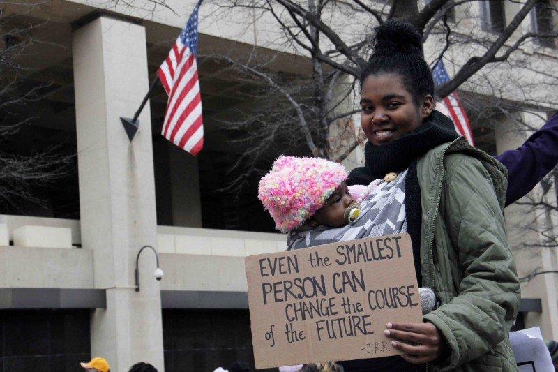 Feminizar la sociedad, pensar desde otro paradigma: un reto para el feminismo bit.ly/2B0XR0F