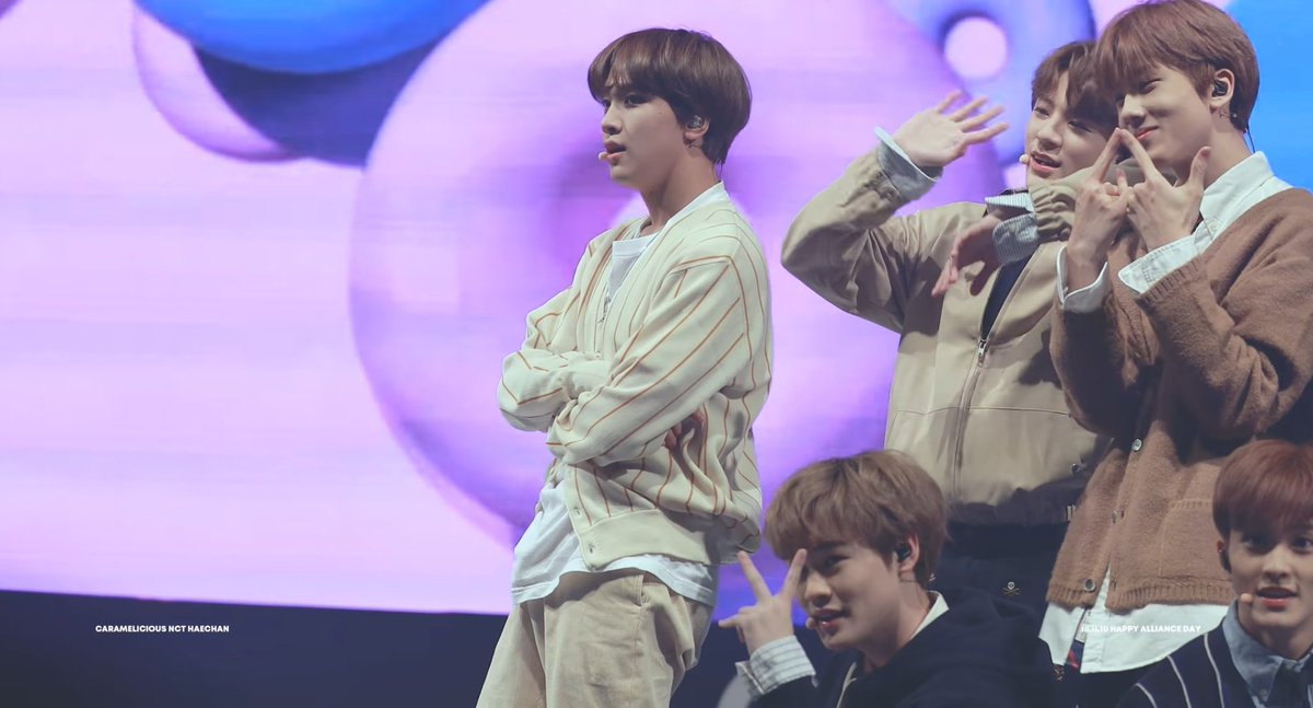 ~ Chewing Gum @ Happy Alliance Day Music Concert  https:// youtu.be/eVV61VUbZ6I  &nbsp;   Smiley Hyuck in a soft outfit while performing Chewing Gum? Bliss. credit. Caramelicious<br>http://pic.twitter.com/ZLXuU0E3p0