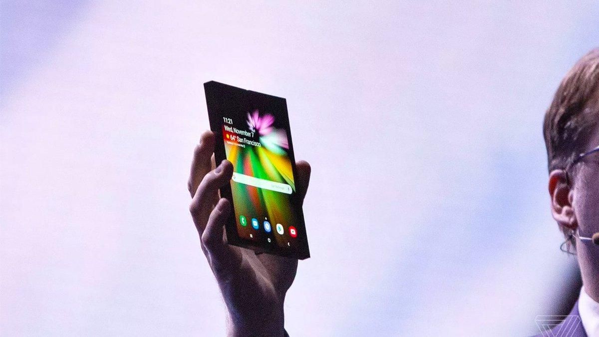Складной смартфон Samsung Galaxy F: цена и дата релиза https://t.co/aNm9GMmbYP