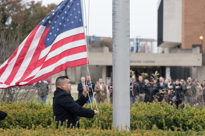 #UISedu observed #VeteransDay this morning with a flag raising by student veterans and speech from retired Major General Randal Thomas. Approximately 325 UIS students are serving or have served in the United States military. Thank you for your service! https://t.co/Rx9575AOQ4