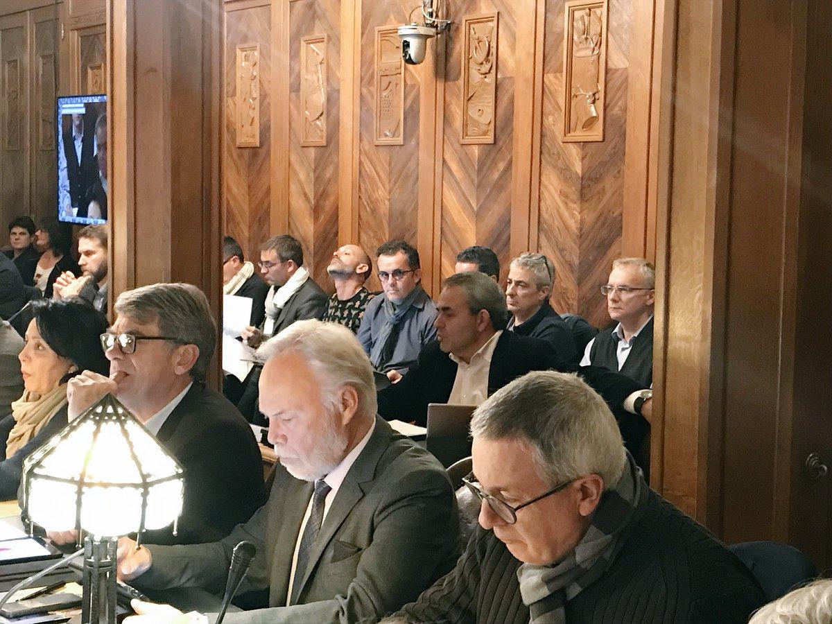 Conseil municipal de Saint-Quentin ce soir : nous préparons le budget 2019 et sans augmentation de la fiscalité ! Nous confirmons également les importants travaux de modernisation sur les réseaux d'eaux portés par l'@AggloStQuentin. https://t.co/AchO3lbxbU