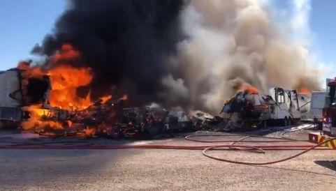 Multiple RVs on fire at storage facility on Tucson's northwest side https://t.co/IY8qObq4qf