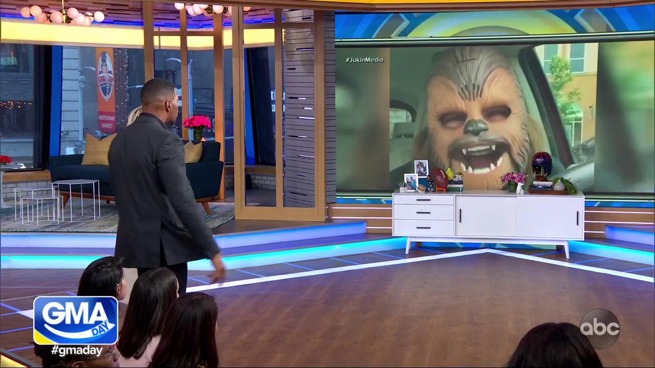 CHEWBACCA MOM @candacepayne HAS ARRIVED!    #GMADay #ViralVideoStars https://t.co/LUKfafEEKb https://t.co/lYoHku03Z1