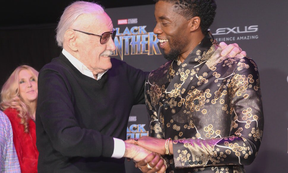 World Mourns Legendary Marvel Comics' Creator Stan Lee, Dead at 95 Dr0wYs8VsAESqkR