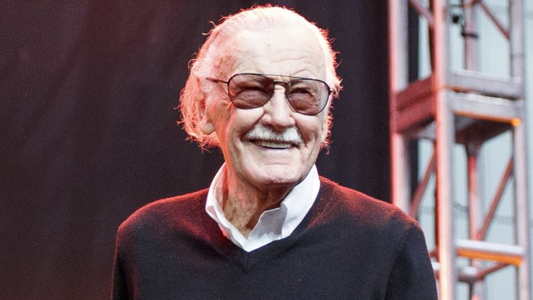 #StanLee passes away at 95. #RIP https://t.co/01dU4EbqNP