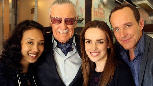 Today, we pause and reflect with great sadness on the passing of Stan Lee. marvel.com/remembering_st…