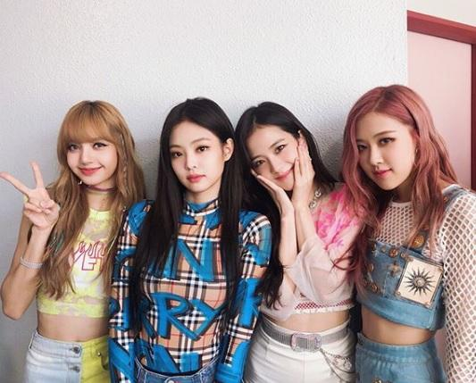 In honour of today's #JENNIESOLO drop, get to know her #KPop collective #BLACKPINK https://t.co/bC9AvoXem6
