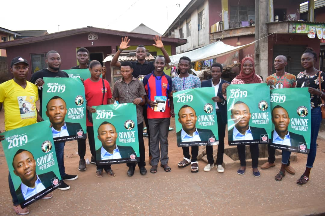 Grassroots awareness by our tireless volunteers at oke odo,Alimosho LG Lagos #TakeItBack  #AfricanActionCongress #AACparty #SoworeRufai2019 #revolutionnow! #EndofOldPoliticians<br>http://pic.twitter.com/VhgnxjDMFB