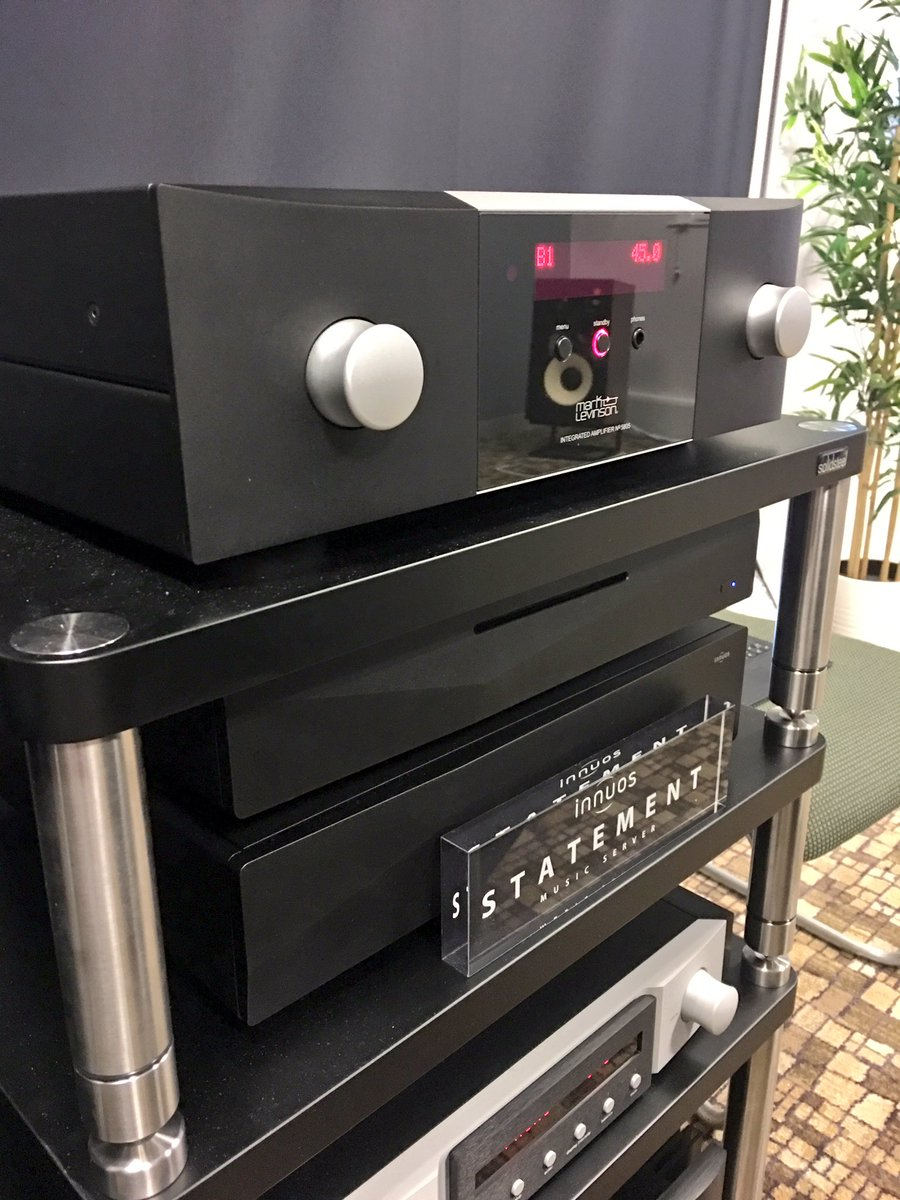 Mark Levinson's new No 5805 integrated amplifier with DAC