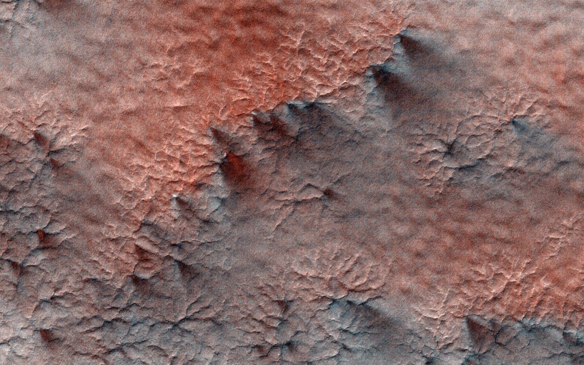 Rest in peace, @TheRealStanLee. In your honor, here are some friendly neighborhood 'spider' formations on Mars. https://t.co/836zuFPIRe #Excelsior