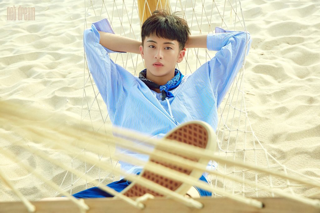 2. honestly mark first caught my attention when i saw his teaser picture for we young, I MEAN HIS BLACK HAIR???? <br>http://pic.twitter.com/RlCVEZl7QU