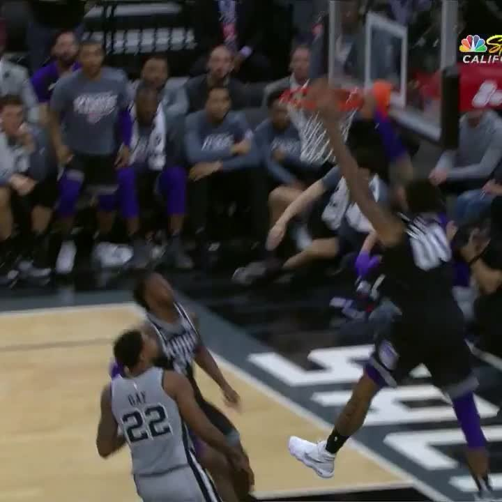 .@THEwillieCS15 finishes the oop in style! 💥👀 #SacramentoProud