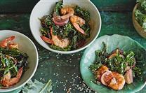 Spicy Garlic Prawns with Kale   More here : https://t.co/pZrGOY6lKo #Recipes https://t.co/cLyhZnBlID