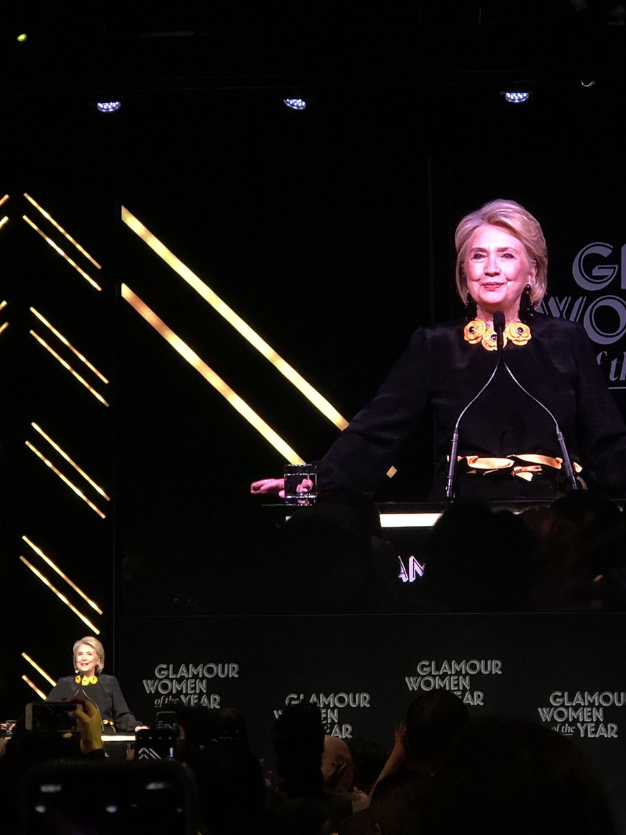 A surprise guest showed up to talk women and #Midterms2018: @HillaryClinton! #GlamourWOTY <br>http://pic.twitter.com/4sLXqASxSL