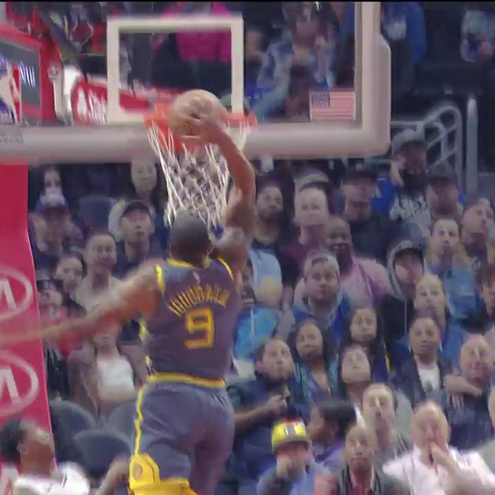 Andre Iguodala just turned back the clock! 🕙💨  #DubNation   #PlayersOnly   theScore.com