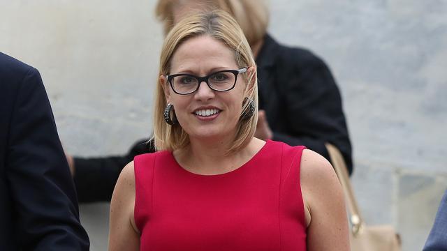 Sinema to become country's first openly bisexual senator https://t.co/Q4uJFFNTwl https://t.co/iYGqHx2bzl