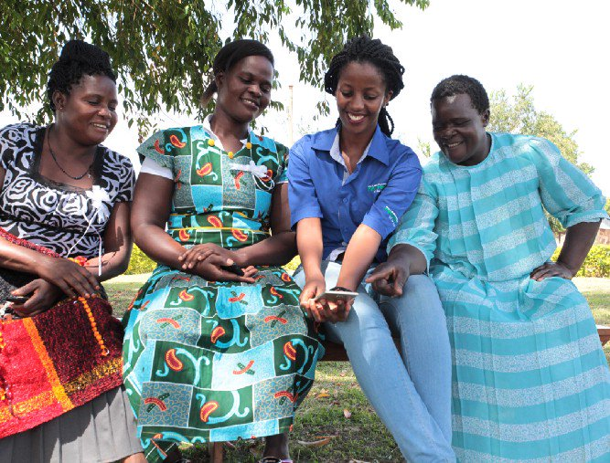 """""""Because I'm connected, I can create tailored digital platforms for women,"""" says Esther Karwera, a young #entrepreneur in #Uganda whose tech startup connects small farmers to large markets. Meet USAID partners bridging the #digitalgenderdivide: https://t.co/a3ax1E0DKd #GEW2018"""
