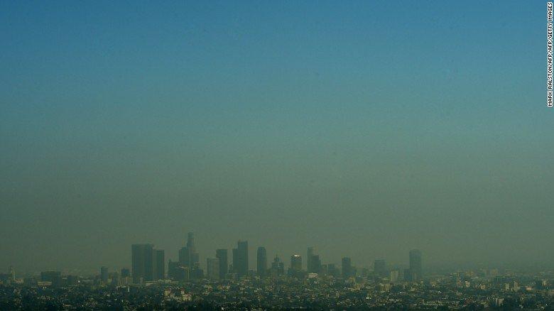 El humo de los incendios en California y tu salud: ¿deberías preocuparte? https://t.co/wkDaZRpedm https://t.co/gIv3pKhCd4