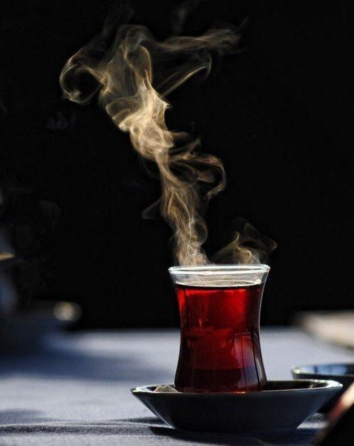 RT @7_mutlaq: #قول_شطر_عن_قصيده يغيب شعور المرء في أكؤس الطلا ويصحو بكأس الشاي عقل...
