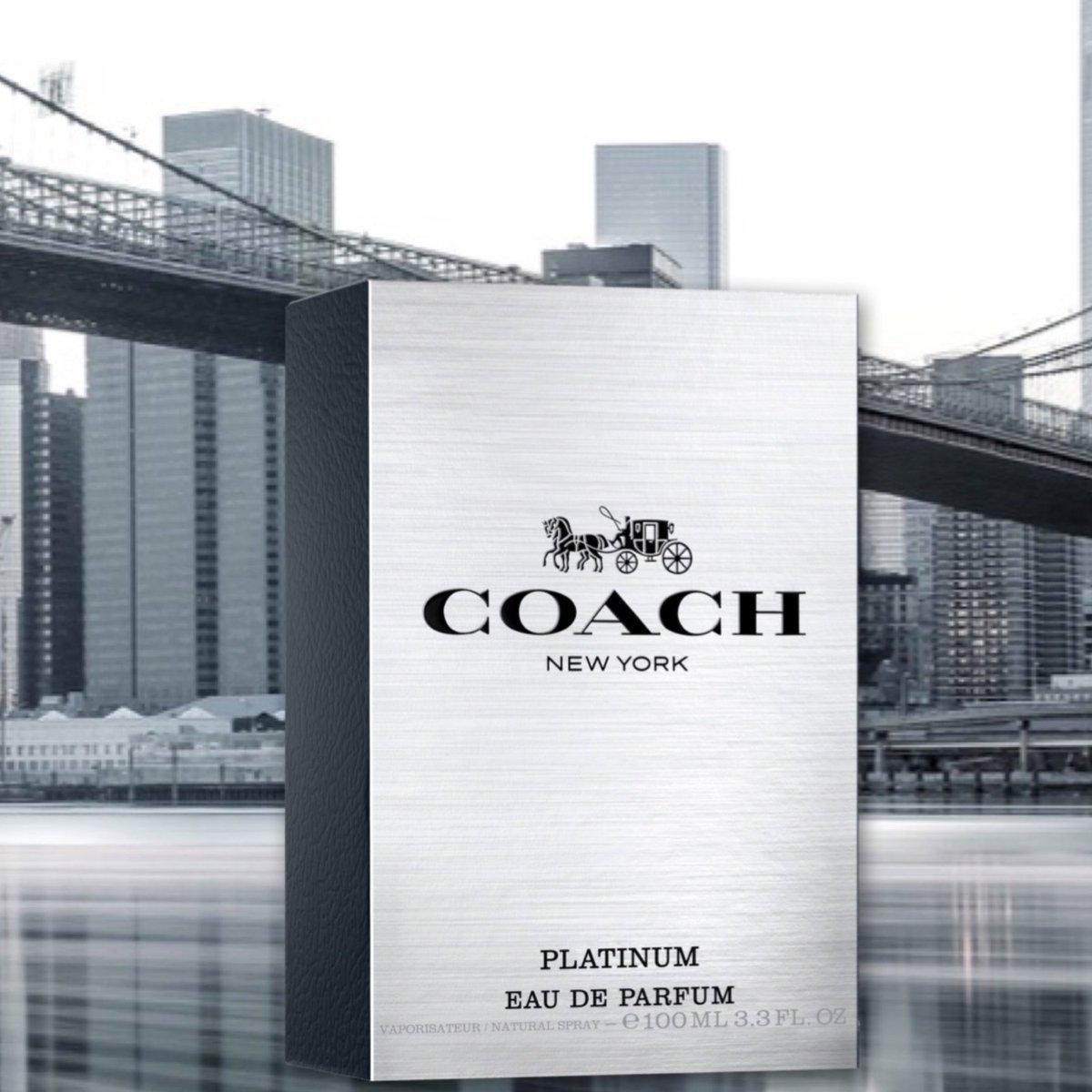 Un aluminio cepillado cubre la portada del empaque del Coach Platinum New York. Ven a conocer esta nueva fragancia! #CoachPlatinumNewYork #CoachPlatinum