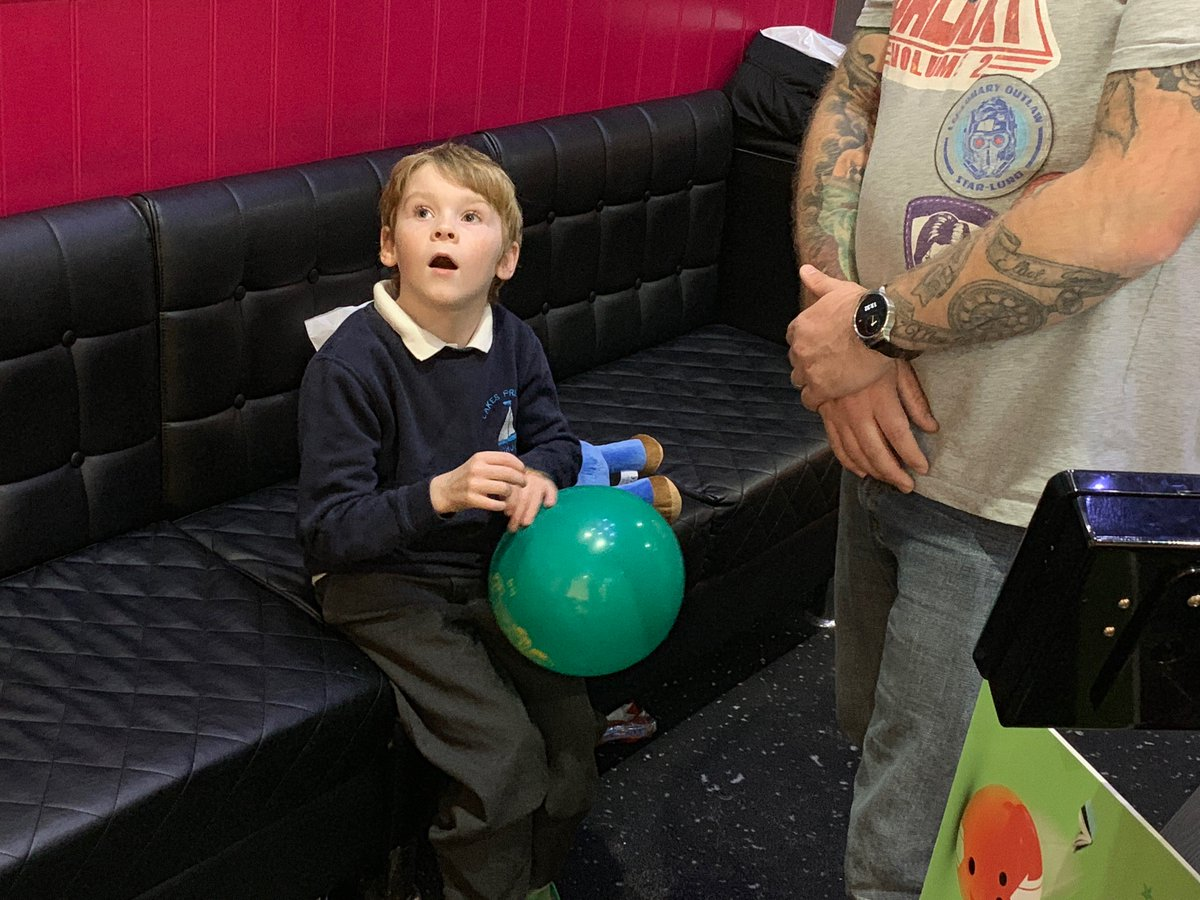Weve moved on to @HollywoodBowlUK with Roary The Lion to see Darcyana, Trenton, Charlie, and Ethan 🎳 #WorldKindnessDay #UTB