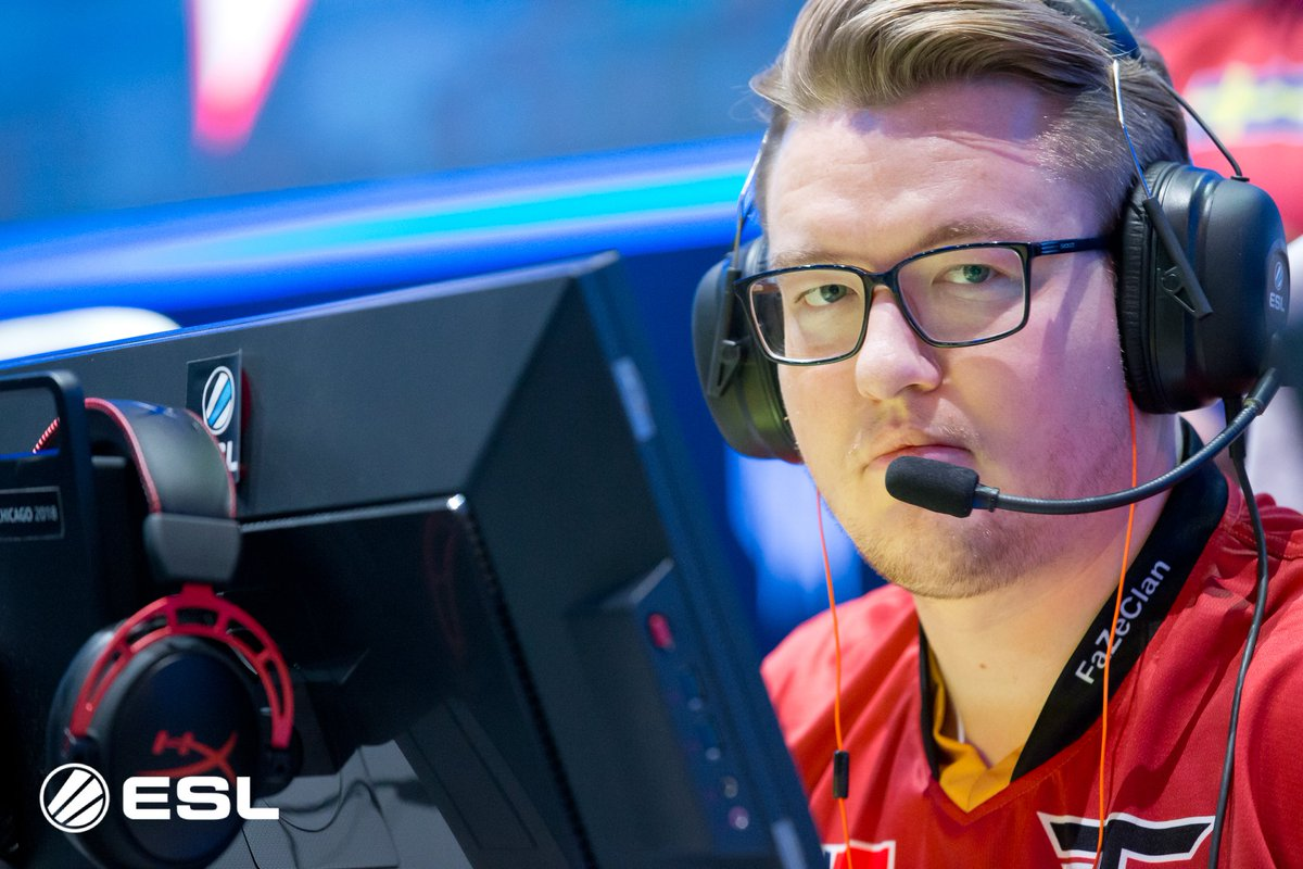 #ESLProLeague EU MD4 preview: The Battle for Odense goes into the final round in EU! mouz, G2, Hellraisers, FaZe and ex Space Soldiers contend for only three finals spots. 👉eslgaming.com/article/battle…