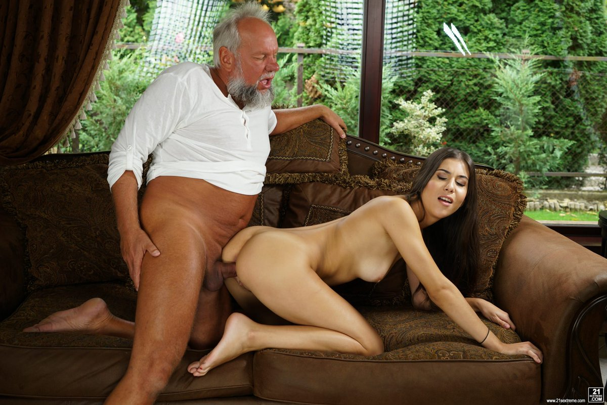 Free pics of hot chicks getting fucked by their sugar daddies for cash on sugar daddy porn