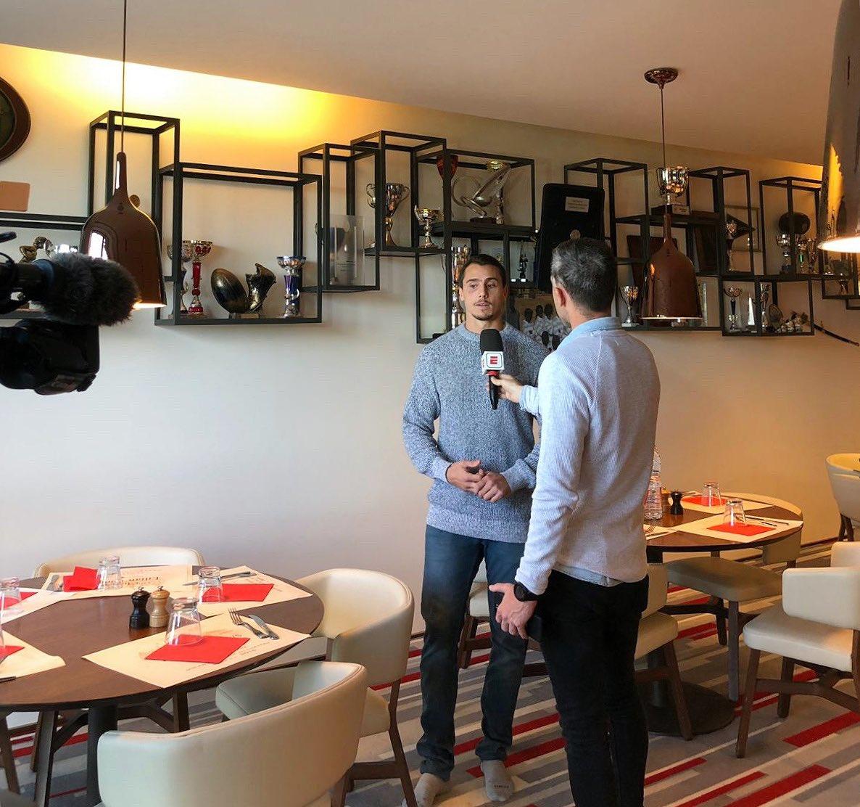  Retour de vacances studieux pour @Imhoffjuan en interview avec @ScrumESPN !   #RacingFamily https://t.co/QHX0Nfas6l