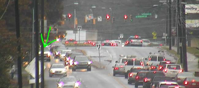 STALLED: NB Eastway Dr. past Shamrock Dr. blocking right lane #cltraffic #clttraffic #clt<br>http://pic.twitter.com/at9NcZl4tX