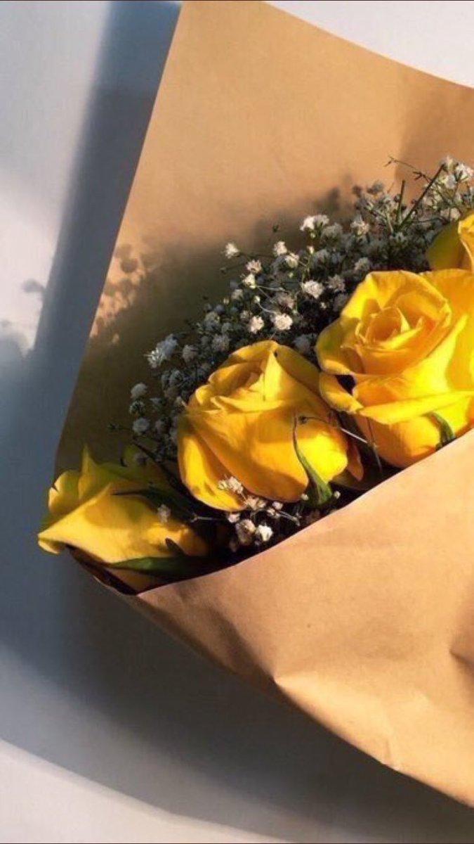مجموعة صور لل تويتر كلام عن الورد الاصفر