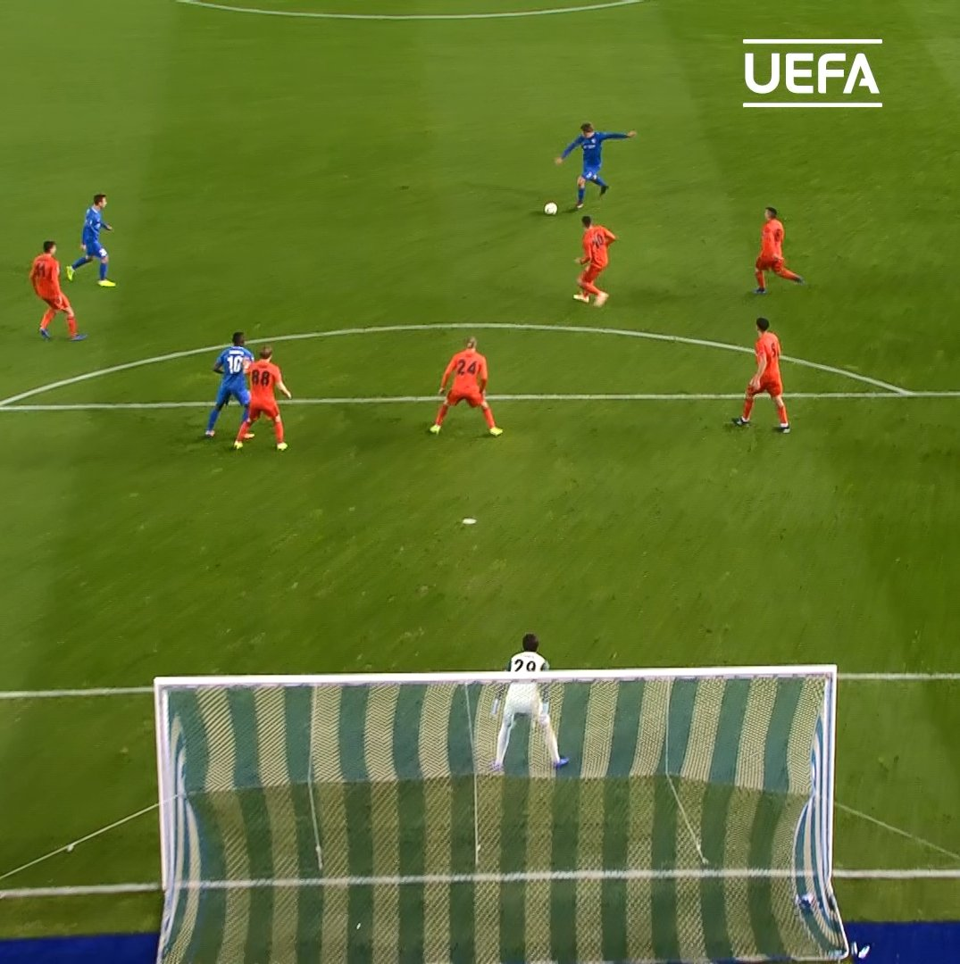 🕵️♂️ #UEL scout:  Position: Midfielder Club: @KRCGenkofficial  🇳🇴 Sander Berge 🔥