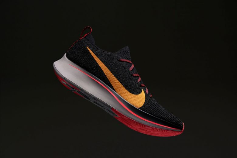 793a062a4db34 tech review nike zoom fly flyknit