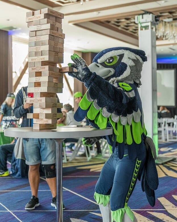 Thursday Night Football = Thursday Afternoon Pregame @kingstreetballroom! The best place to party, just ask @blitztheseahawk! Join us before the #SEAvsGB matchup. Party starts at 2.  https://www. facebook.com/events/2318178 44346092 &nbsp; … <br>http://pic.twitter.com/mm9fFdmSG6