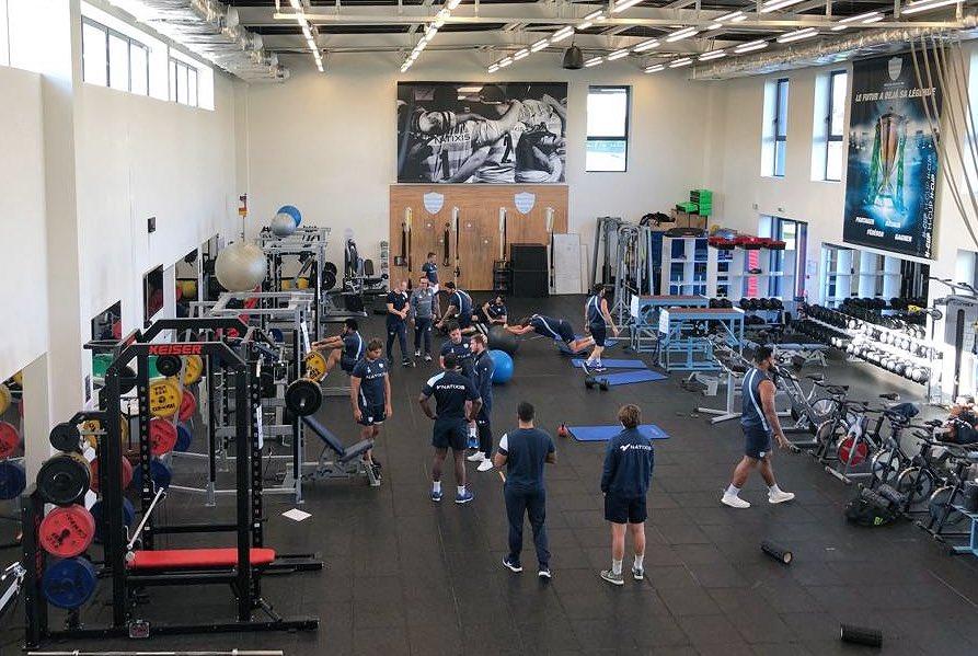 La salle de muscu est moins vide... ???? c'est la rentrée !   #RacingFamily https://t.co/BQIP6uvSlm