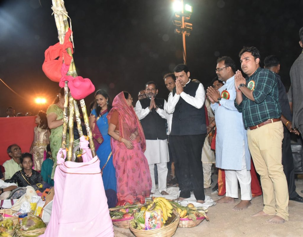 Offered Arghya to SuryaDevta, God of our Mother Nature and prayed for welfare, prosperity of all! Chhathi Maiya ki Jai! #ChhathPooja #SunGod