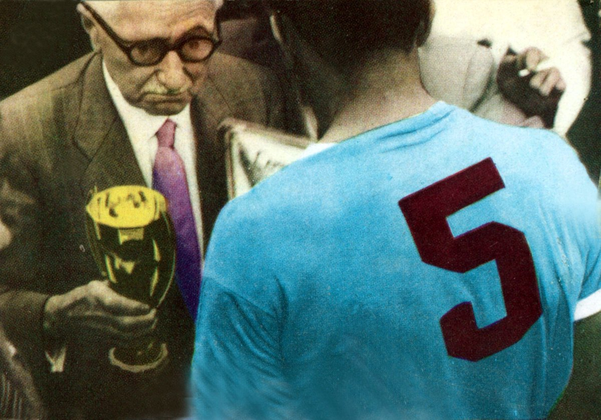 @Uruguay 📽️🏆🇺🇾 You can relive his finest hour, and the moment when he was handed the #WorldCup by Jules Rimet, here! 👇 fifa.to/LWazXb6COR