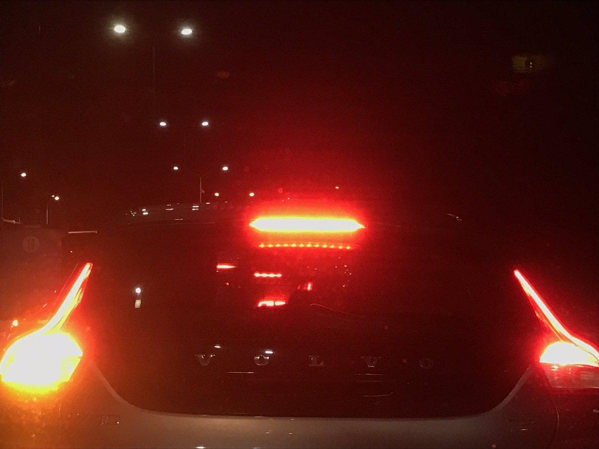 test Twitter Media - Wat is dat toch dat bestuurders met hun voet op de rem blijven staan in de file of voor een verkeerslicht?!🤷♀️#irritatiefactortje #hoofdpijn https://t.co/ixSLEEHVKx