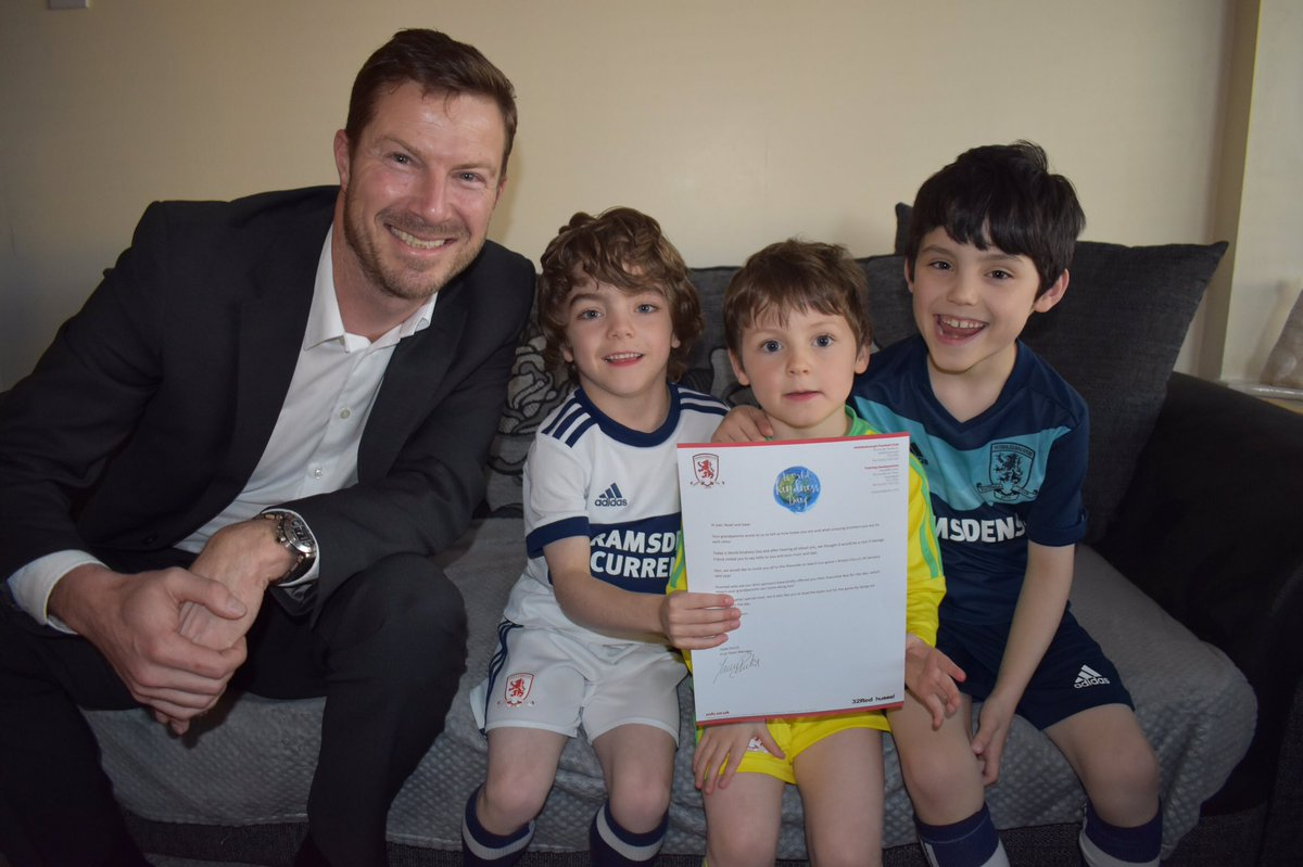 We're still out and about, and our CEO Neil Bausor dropped in on Joel, Isaac, and Noah with a special invite from Tony Pulis ⚽️ #WorldKindessDay #UTB