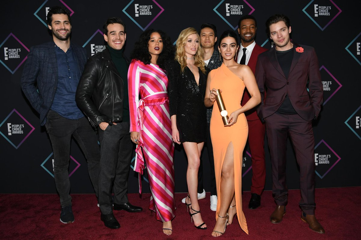 Watch @ShadowhuntersTV stars @DomSherwood1 & @MatthewDaddario give @KeshiaChante some secrets from the finale & a shout out to their fans etcnda.com/sXptld